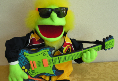 green puppet guitarist